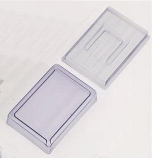 Magnetauflage mit Führungsstegen auf Acryl-Kasten