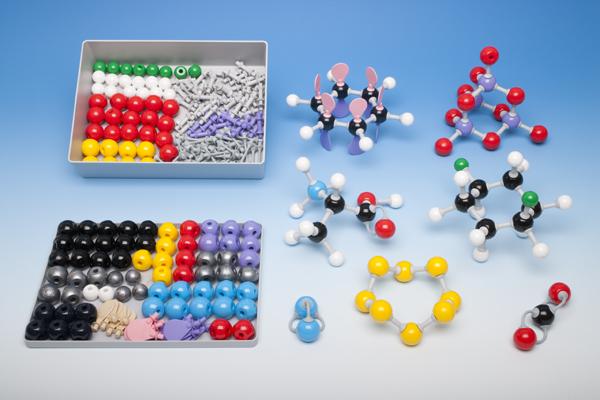 Molekülbaukasten für Lehrer zur Anorganischen und Organischen Chemie