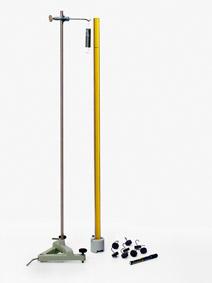 Herstellung eines kalibrierten Kraftmessers - Stativaufbau