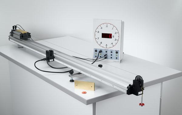 Zusammenhang zwischen Weg und Zeit - Messung mit der Elektronischen Stoppuhr