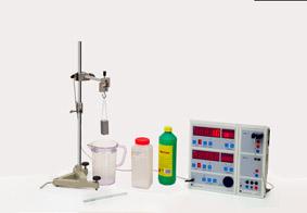 Abhängigkeit der Auftriebskraft von der Art der Flüssigkeit - Messung mit Sensor-CASSY und Display