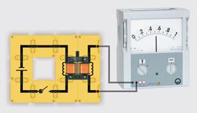Elektromagnetische Induktion mit zwei Spulen - Aufbau mit Leiterbausteinen