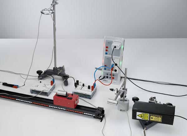 Untersuchung des Doppler-Effekts mit Ultraschallwellen - Aufzeichnung und Auswertung mit CASSY
