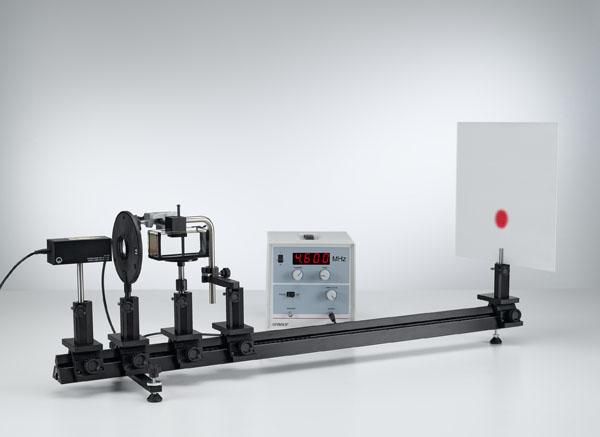 Bestimmung der Schallgeschwindigkeit in Flüssigkeiten - stehende Ultraschallwellen als optisches Gitter