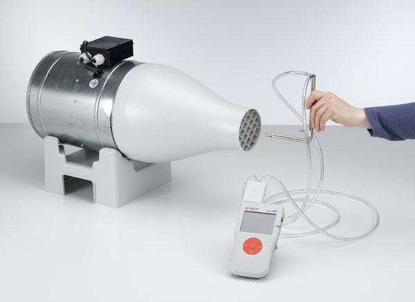 Bestimmung der Windgeschwindigkeit mit einer Drucksonde nach Prandtl - Druckmessung mit Drucksensor und CASSY