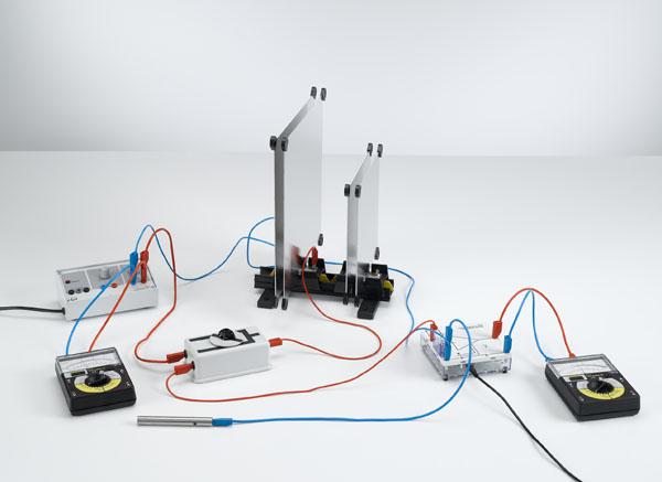 Parallel- und Reihenschaltung von Kondensatoren- Ladungsmessung mit dem Elektrometerverstärker
