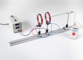 Magnetfeldmessung an einem Spulenpaar in Helmholtz-Anordnung