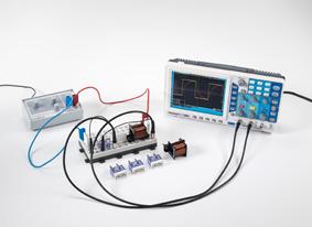 Messung des Stromverlaufs in einer Spule beim Ein- und Ausschalten von Gleichstrom