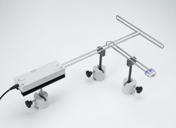Untersuchung von Strom und Spannung an einer Lecher-Leitung mit Schleifendipol