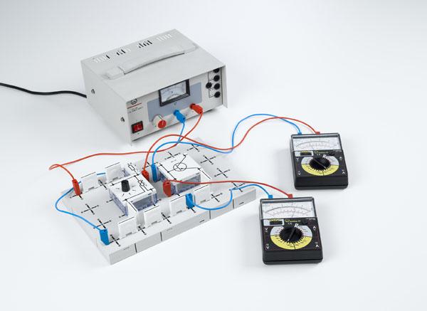 Aufzeichnung der Kennlinien eines Transistors
