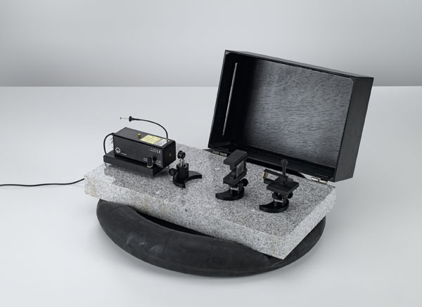 Herstellung von Weißlicht-Reflexionshologrammen auf der Laseroptik-Grundplatte