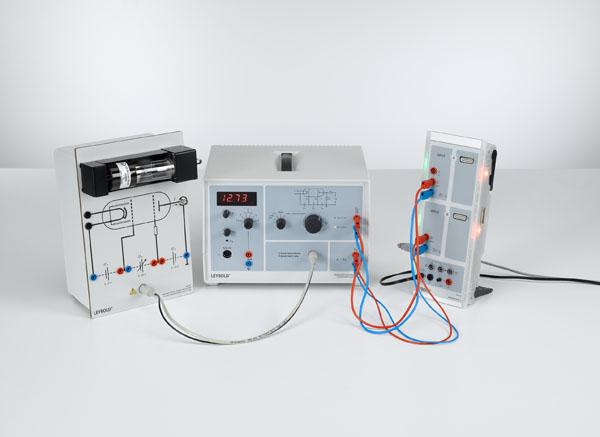 Franck-Hertz-Versuch an Neon - Aufzeichnung und Auswertung mit CASSY