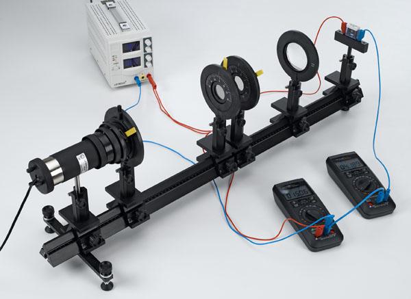 Aufnahme der Strom-Spannungs-Kennlinien eines CdS-Photowiderstandes