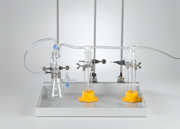 Herstellung von Gasen mit einem Kipp'schen Apparat mit Stativmaterial